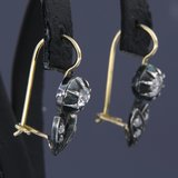 Goud met zilver oorbellen met 1.10 ct diamant_