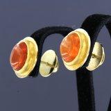 Gouden oorbellen met vuuropaal_