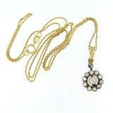 Gouden collier met goud met zilver hanger bezet met 0.70 ct diamant_