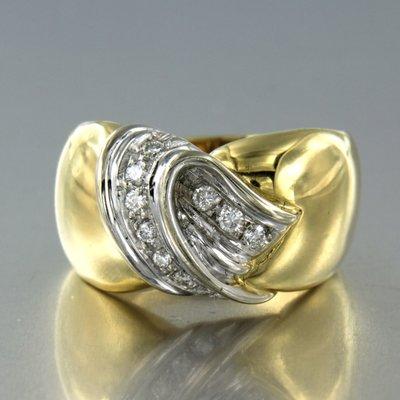 Bicolour gouden ring met 0.20 ct diamant