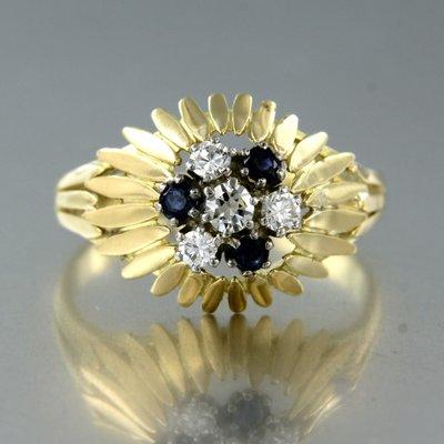 Bicolour gouden ring met saffier en 0.26 ct diamant