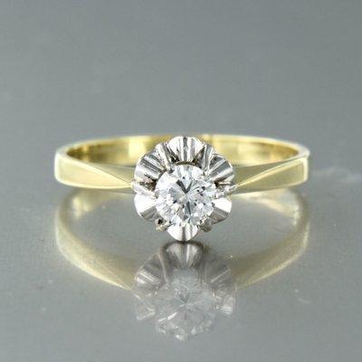 Bicolour gouden ring met 0.34 ct diamant