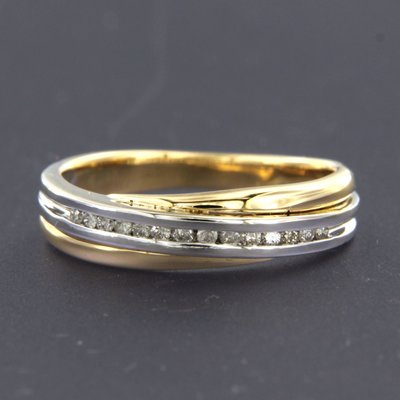 Bicolour gouden ring met 0.14 ct diamant