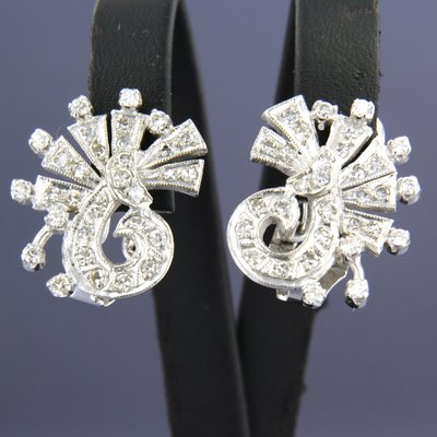 White gold earrings with 1.40 ct diamond