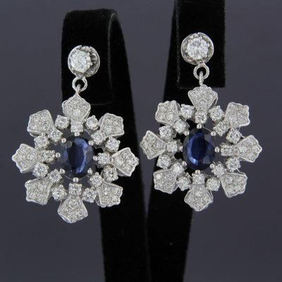 White gold earrings with sapphire and 2.40 ct diamond
