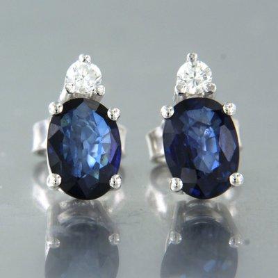 Witgouden oorbellen met saffier en 0.10 ct diamant