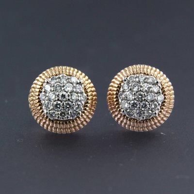 Bicolour gouden oorbellen met 0.40 ct diamant