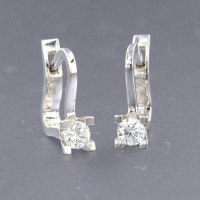 Witgouden oorhangers met 0.34 ct diamant