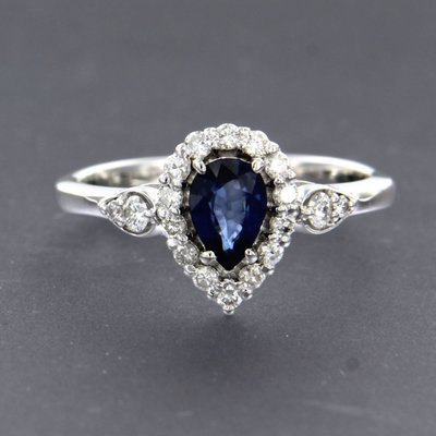 White gold ring with sapphire and 0.32 ct diamond