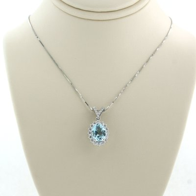White gold necklace with topaz and 0.21 ct diamond