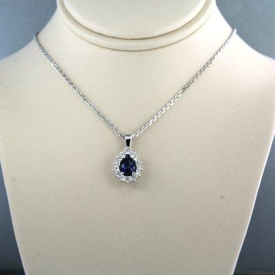 Witgouden collier met saffier met 0.32 ct diamant