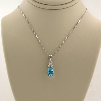 White gold necklace with topaz and 0.06 ct diamond