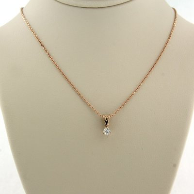 Rose gold necklace with solitaire pendant with 0.08 ct diamond