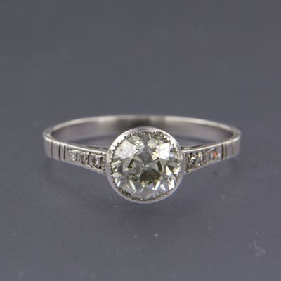 White gold ring with 1.25 ct diamond