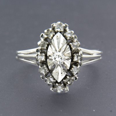 White gold vintage ring with 0.10 ct diamond