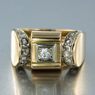 Gold Retro ring with 0.12 ct diamond