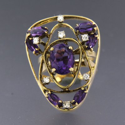 Gold ring with amethyst and 0.20 ct diamond