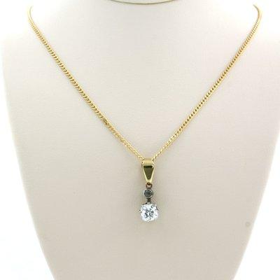 Gouden collier met goud met zilver hanger bezet met 0.62 ct diamant