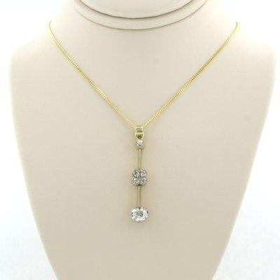 Gouden collier met hanger bezet met 1.30 ct diamant