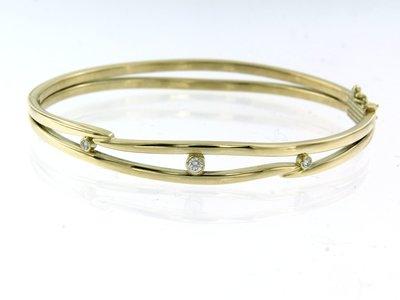 Gouden scharnierarmband met 0.15 ct diamant