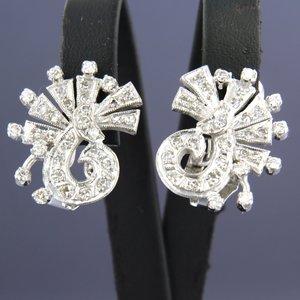 Witgouden oorbellen met 1.40 ct diamant