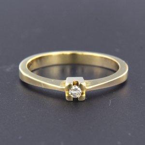 Gouden ring met 0.04 ct diamant