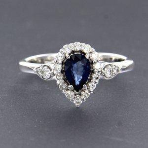 Witgouden ring met saffier en 0.32 ct diamant