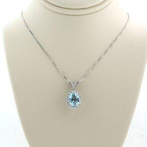 Witgouden collier met topaas en 0.21 ct diamant