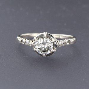 Platina ring met 0.61 ct diamant